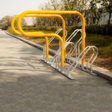 4 bike parking rack road side